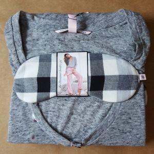 3 pcs Victoria's secret long sleeves on small